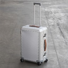 Aluminium-Fluggepäck der Extraklasse von FPM Spinner 68