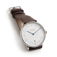 Sternglas: Zeitmesser Bauhaus Weißes Ziffernblatt mit braunem Band