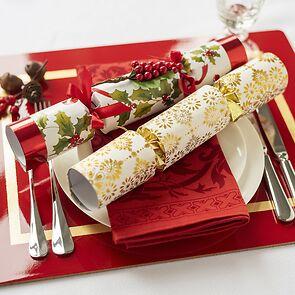 6 Christmas Crackers Winter Berry