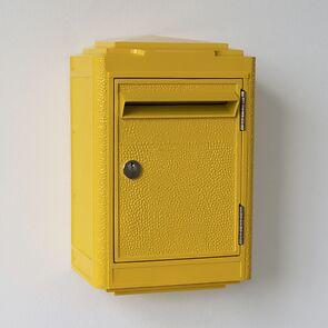 Briefkasten La Boîte Jaune Gelb