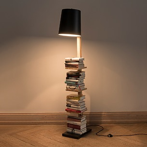 Leuchte Pile of Books