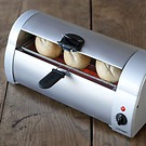Cloer Brötchenbäcker mit Adapter für die Schweiz