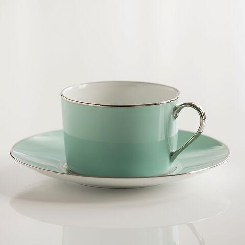 Porcelaine de Limoges Tasse mit Untertasse Mitgrün