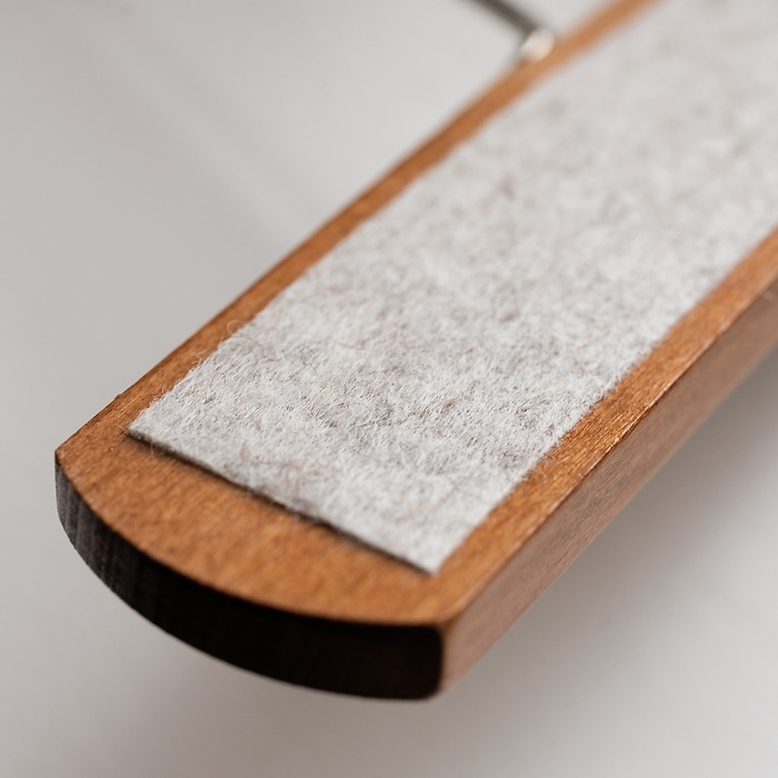Hosenbügel extra breit