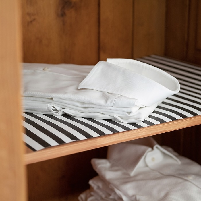 The Laundress Schrankpapier