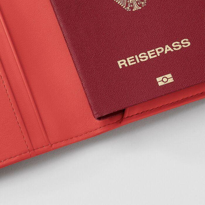 Treuleben Passport Caddy